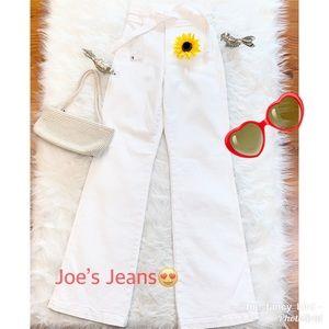 🌻Joe's Jeans White High Rise Luisa Flair Jeans 🌻